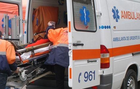 salvare Accident teribil. Un tanar a murit, iar sotia si copilul au ajuns la spital