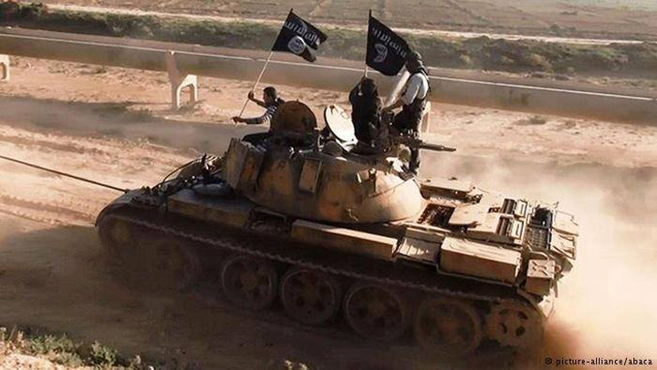 tanc Asta mai lipsea! Teroristii ISIS, dotati cu tancuri si armament din Romania