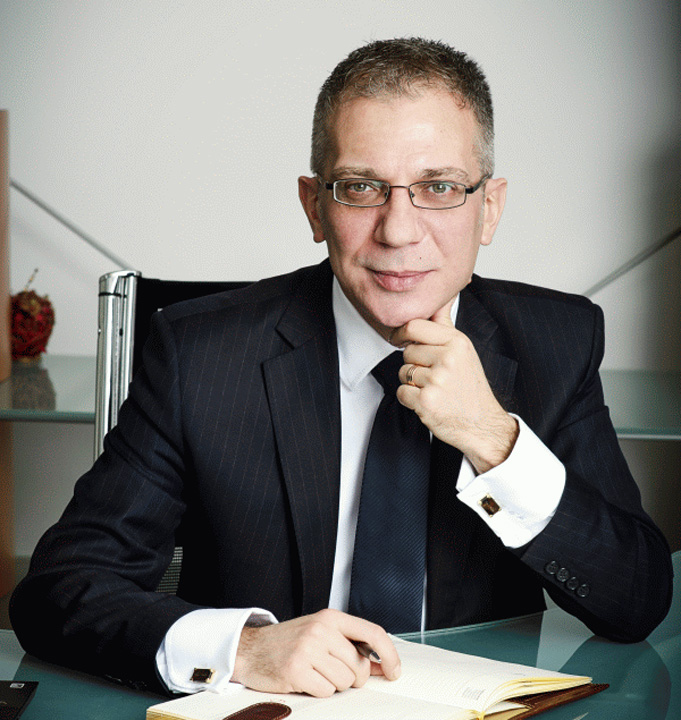 tsh Halalai, scolit si platit de bancherul infractor Emil Botea