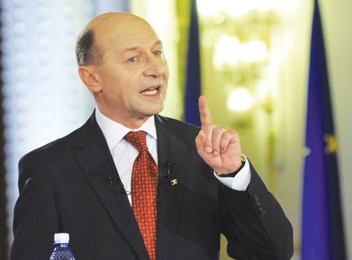TRAIAN BASESCU FANE 67 Basescu trimite din nou sageti in directia lui Tariceanu