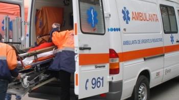 salvare2 350x196 Accident si tramvaie blocate pe Stefan cel Mare