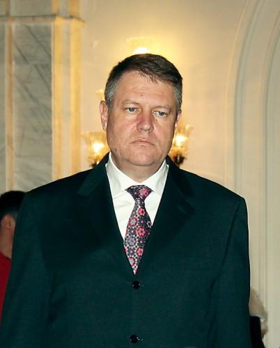 Klaus Iohannis RICA PETRESCU 402x500 Iohannis, la plecarea la Bruxelles: E nevoie de masuri credibile pentru prevenirea migratiei ilegale