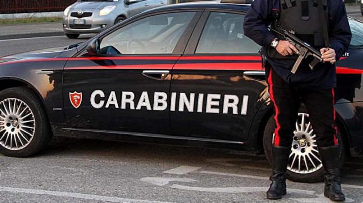 carabinieri32 O romanca si fiica ei, gasite moarte in Italia