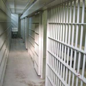 detinut prins dupa 7 zile penitendiar 300x300 Ucigasul politistului Vezeteu, gasit mort
