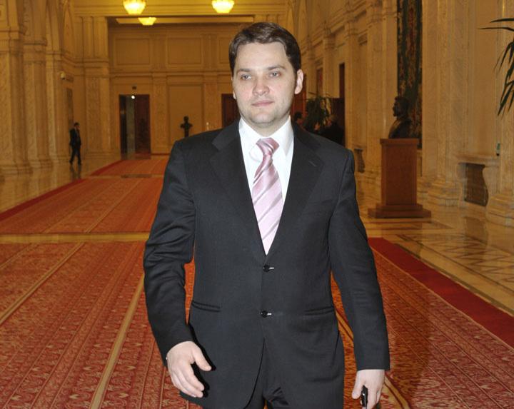 DAN SOVA FANE 1 CCR a admis sesizarea PNL: Hotararea Senatului in cazul Sova, neconstitutionala!