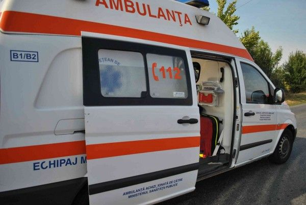ambulanta Accident grav pe DN 2, in Buzau: un mort si trei raniti