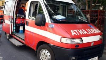 ambulanta2 350x201 Accident de microbuz in Arges: sapte raniti, o femeie in stare grava