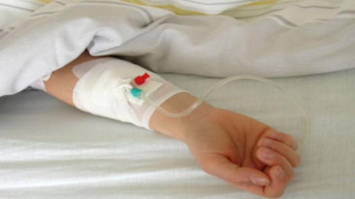 copil spital 720x405 Fetita suspecta de botulism. Ar fi mancat peste dintr o conserva