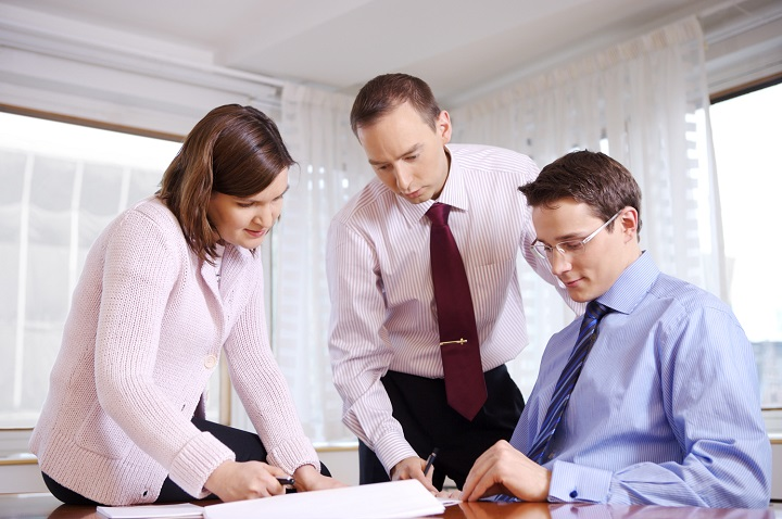 ofiter credit renegociere Cum va evalueaza bancile cand cereti un credit