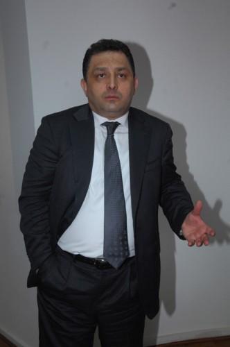 MARIAN VANGHELE FANE 93 332x500 Vanghelie, cu tunurile pe Ponta: A nenorocit PSD. Lumea se roaga sa scape naibii de el
