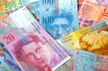 franc elvetian 350x233 Legea conversiei creditelor in franci elvetieni, neconstitutionala