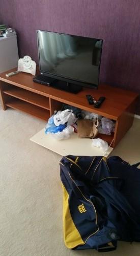 10959835 1553004134977219 8194893281114861538 n 275x500 Hotel din Bucuresti, pradat de hoti. Cel putin 45 de parlamentari au ramas fara bunuri! (FOTO)