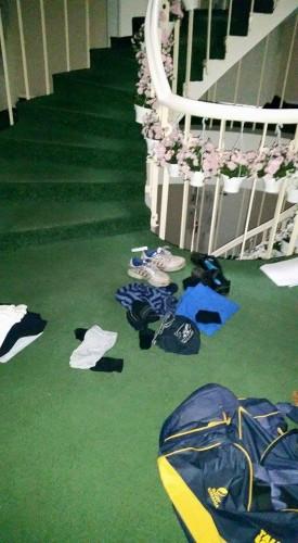 14690 1553004064977226 6677938521119418220 n 275x500 Hotel din Bucuresti, pradat de hoti. Cel putin 45 de parlamentari au ramas fara bunuri! (FOTO)