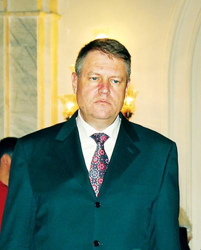 Klaus Iohannis RICA PETRESCU 402x500 Senatul a adoptat Legea finantarii partidelor, trimisa de seful statului la reexaminare