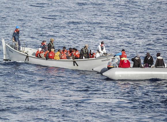 migranti TRAGEDIE fara margini! Peste 200 de imigranti si au pierdut viata in Marea Mediterana