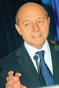 TRAIAN BASESCU RICA PETRESCU 2 200x300 Concluzia lui Basescu: Jandarmeria prinsa in jocul politic a doua ...doamne