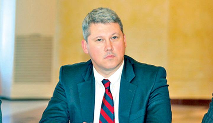 catalin predoiu3 Catalin Predoiu: Un prim ministru adevarat rezolva problema cardurilor de sanatate