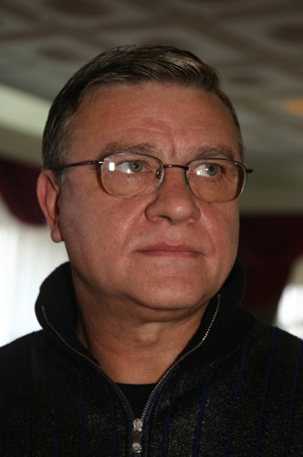 sandu medalion 332x500 Fostul sef al FRF, Mircea Sandu, urmarit penal intr un nou dosar