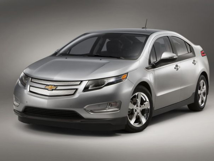 7 chevrolet volt 40 mpg on gasoline 380 miles of electric range Cele mai bune masini ecologice din lume
