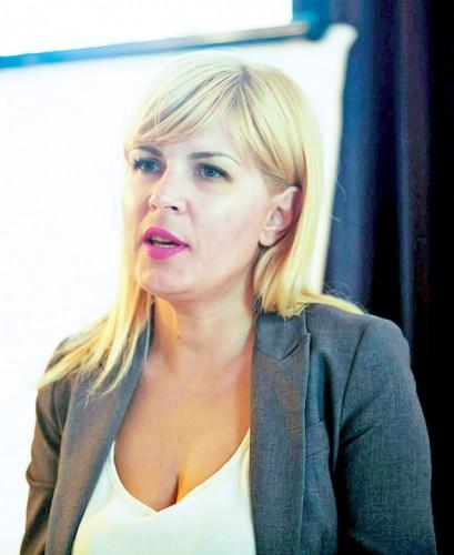 ELENA UDREA2 409x500 Reactia reprezentantilor Penitenciarului Targsor in cazul Elena Udrea