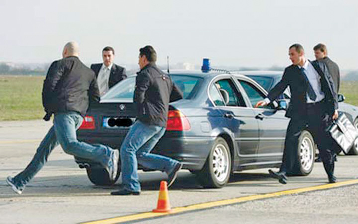 Exercitiu SPP Ponta schimba liniile in Servicii pe bani grei!