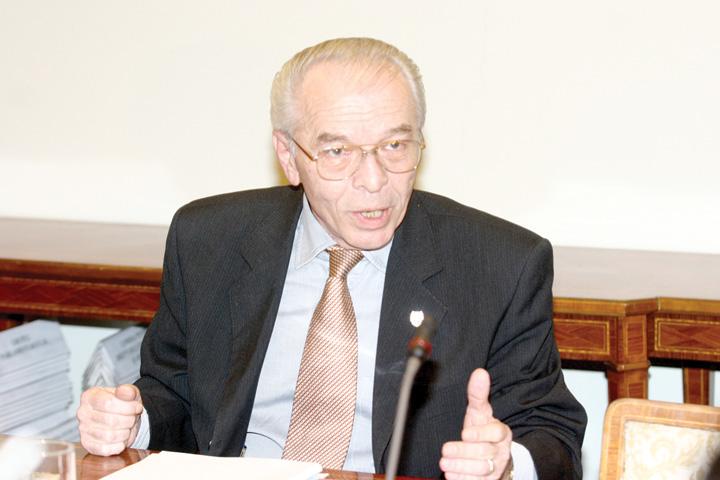 NICOLAE VACAROIU 8989 Ministrul Teodorovici sare in capul lui Vacaroiu