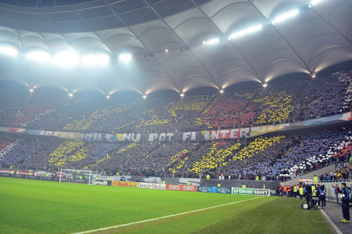 Steaua Dinamo Diana 0043 resize Galeria Stelei da la cos meciul cu Targu Mures