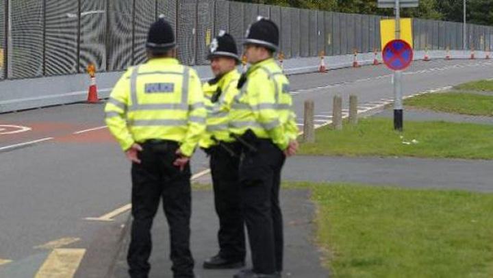adolsecent Un copil, arestat in Anglia pentru terorism
