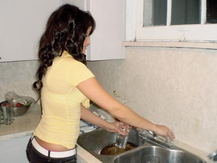 apa chiuveta robinet Scaderea TVA la apa, o ieftinire de doi lei