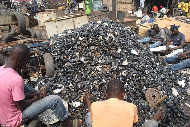 deseuri Cel mai mare cimitir de electronice din lume se afla in Africa, unde in alta parte!