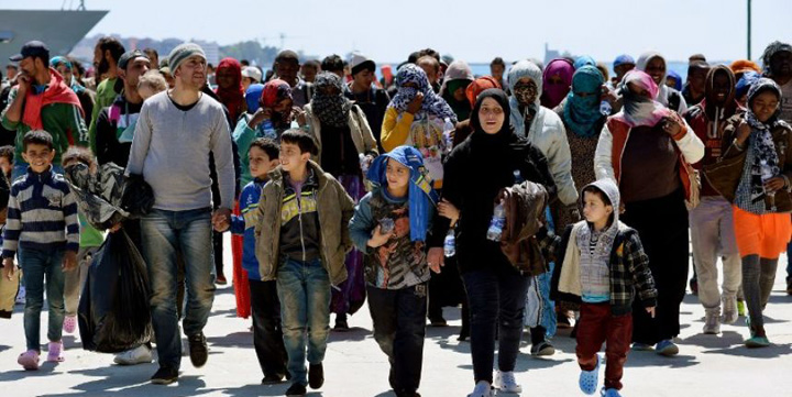 """emigranti1 Tabloidul The Sun ii numeste pe emigranti """"gandaci de bucatarie"""""""