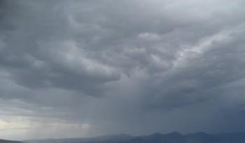 furtuna1 350x205 Vremea se strica din nou. Revin ploile in aversa, cu descarcari electrice si vant