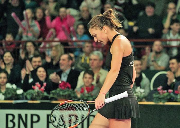 halep2 700x500 BOMBA LA MADRID! Simona Halep, eliminata inca din primul tur!