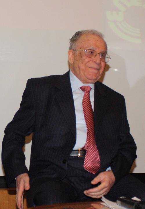 ion iliescu1 Presedintele Iliescu a semnat ca primarul