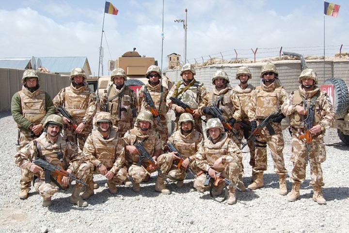 militari Patru militari romani, raniti in Afganistan