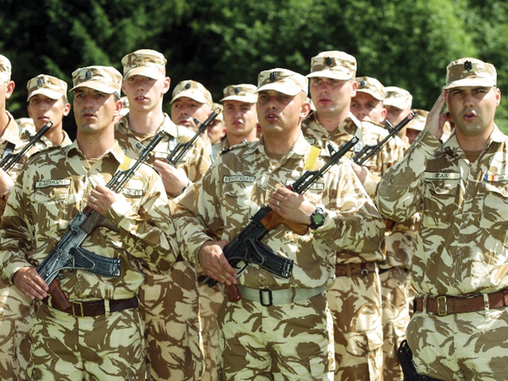 militari 1 Ponta schimba liniile in Servicii pe bani grei!