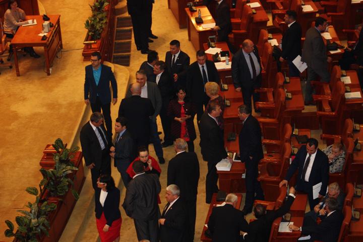 parlament Parlamentarii se simt amenintati de DNA