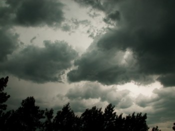 ploi vant informare Atentionari COD GALBEN de vreme severa pentru doua judete