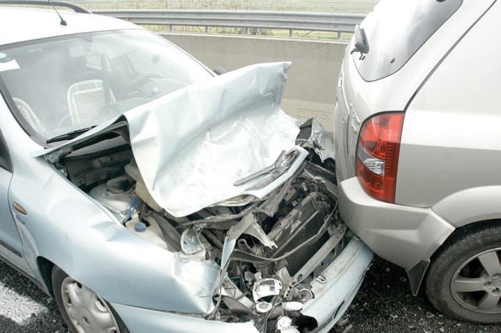 tamponare masini Cum va feriti de tepele date de asiguratori la RCA