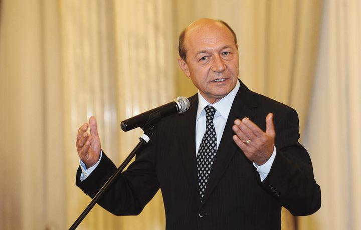 traian basescu 2 Traian Basescu: Singurul lucru pe care il reprosez sefei DNA este recurgerea la arestari
