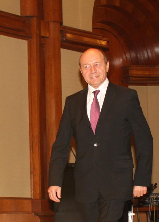 traian basescu3 Basescu nu mai vrea sa si ia maciuci in gura