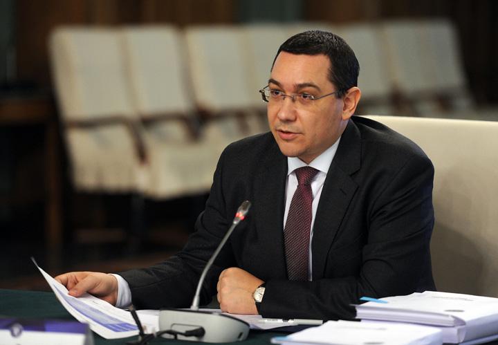 victor ponta3 Ponta schimba liniile in Servicii pe bani grei!