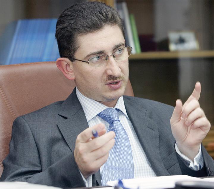 Bogdan Chiritoiu1 Comerciantii si producatorii pun de un cartel pentru fentarea reducerii TVA