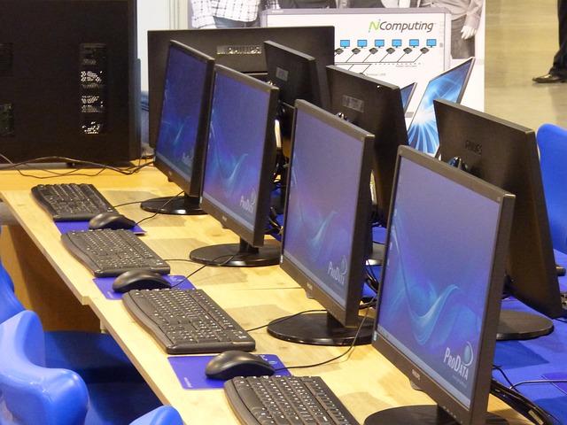 computers 332238 640 Perchezitii la firme suspectate de evaziune fiscala in domeniul IT. Prejudiciul este urias!
