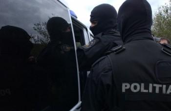 descinderi mascati 350x227 Actiune de amploare a politistilor: peste 30 de perchezitii in sapte judete!
