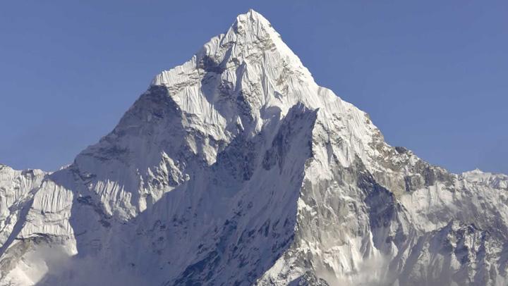 everest Seismul din Nepal a scurtat Everestul cu trei centimetri