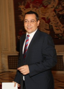 victor ponta 216x300 Ponta, prima reactie dupa achitare: Ma bucur ca in Romania se poate face dreptate