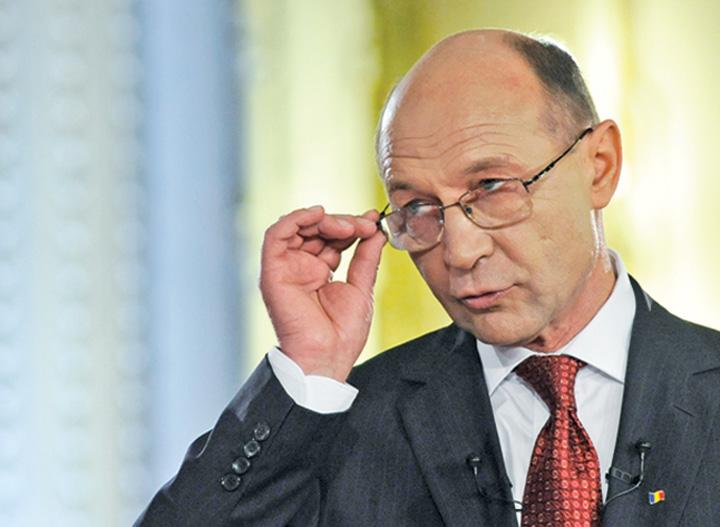TRAIAN BASESCU FANE 1251 Basescu ameninta ca se duce la Procurorul General: A fost o inscenare ordinara