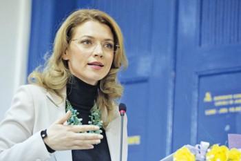 alina gorghiu 2 350x233 Reactia sefei PNL in cazul rectorului Pirtea, candidat la parlamentare, suspectat de plagiat
