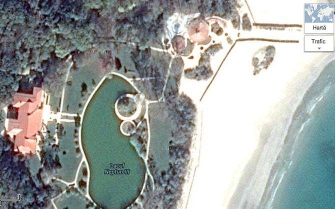 vila protocol neptun 45876100 Carmen Iohannis, pe urmele Elenei Ceausescu. A taiat copacii de la vila din Neptun ca sa scape de tantari!